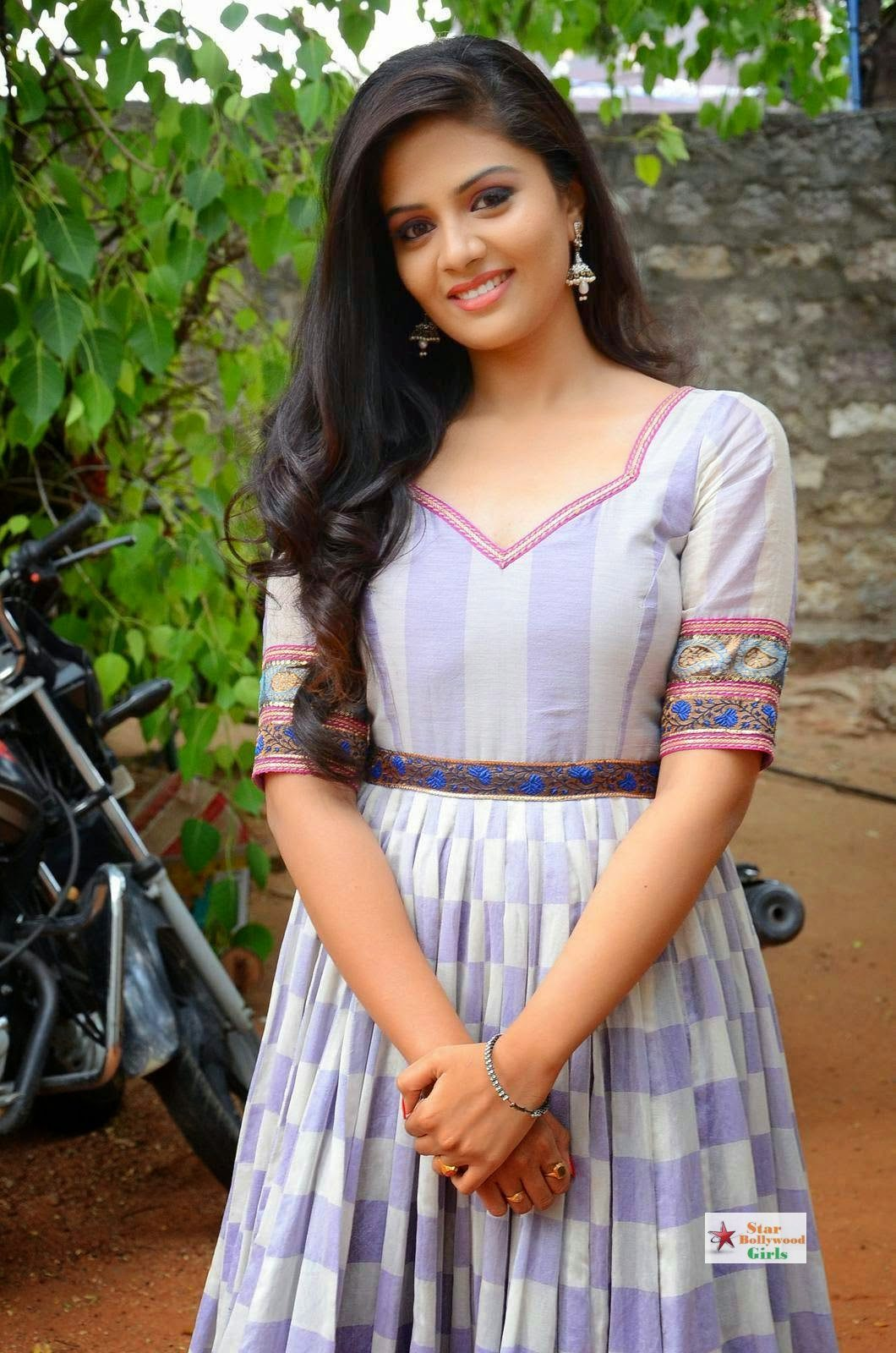 Srimukhi-Stills-At-Dhana-Lakshmi-Talupu-Tadithe-Movie-Press-Meet-9