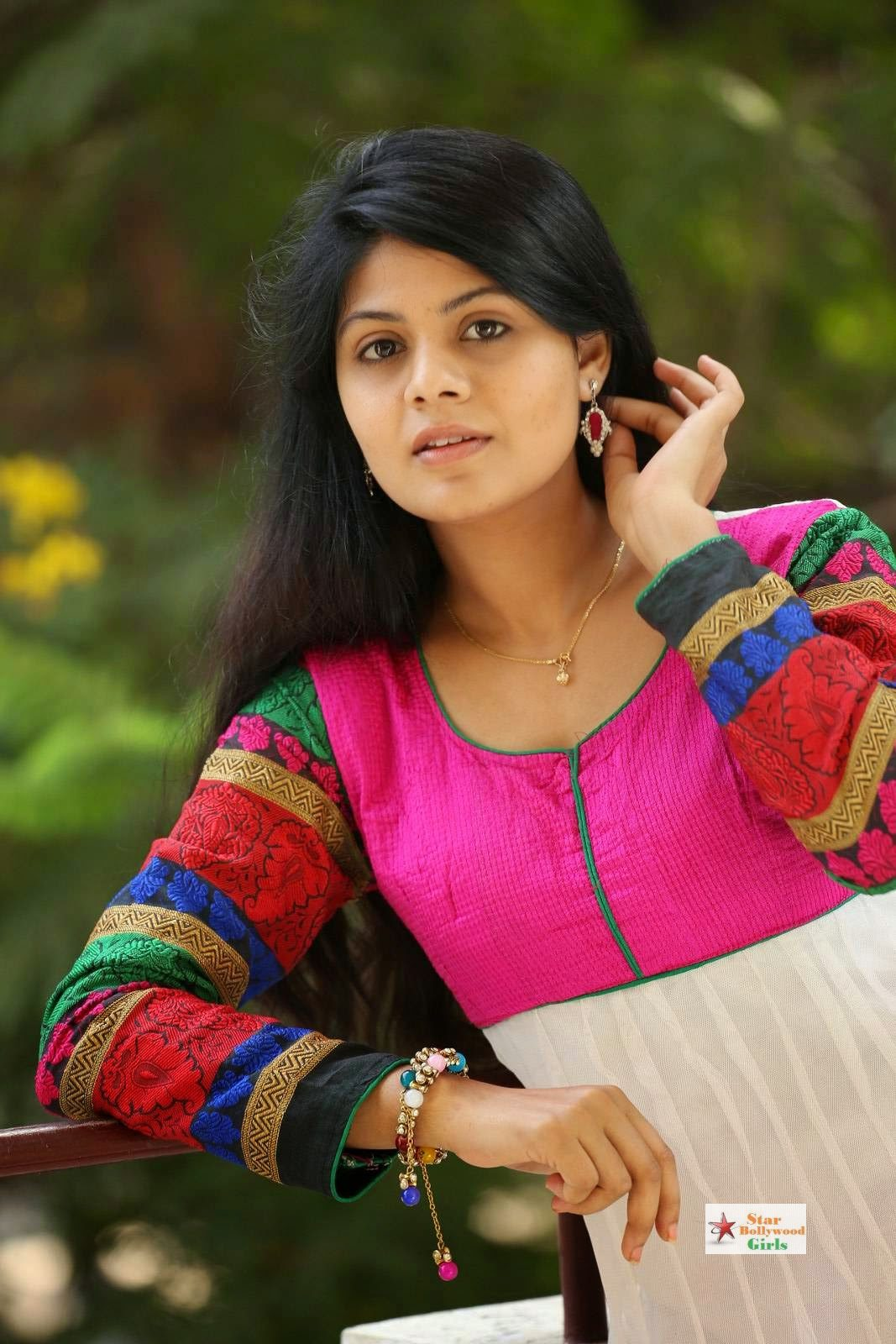 Nairuthi-Photo-Shoot-Stills-31