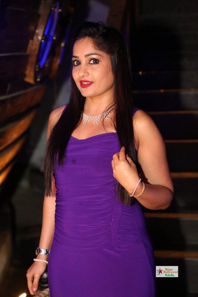 Madhavi-Latha-Stills-in-Blue-Dress-05
