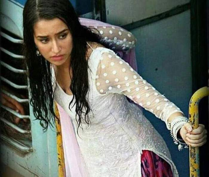 [Photo] Shraddha Kapoor's fifth lip-lock in Baaghi in a row