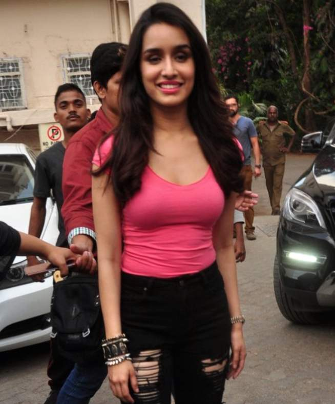 Shraddha Kapoor to get intimate in Baaghi