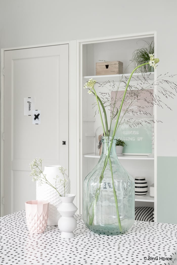 Black white and pastels styling livingroom ©BintiHome-9