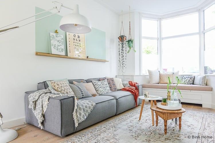 grey sofa styling tips interieurontwerp Jaren 30 woning Woonkamer makeover Haarlem ©BintiHome