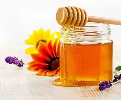 honey-with-flowers1-opt