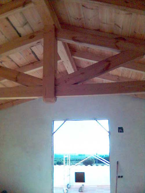 Estructura cubierta de madera