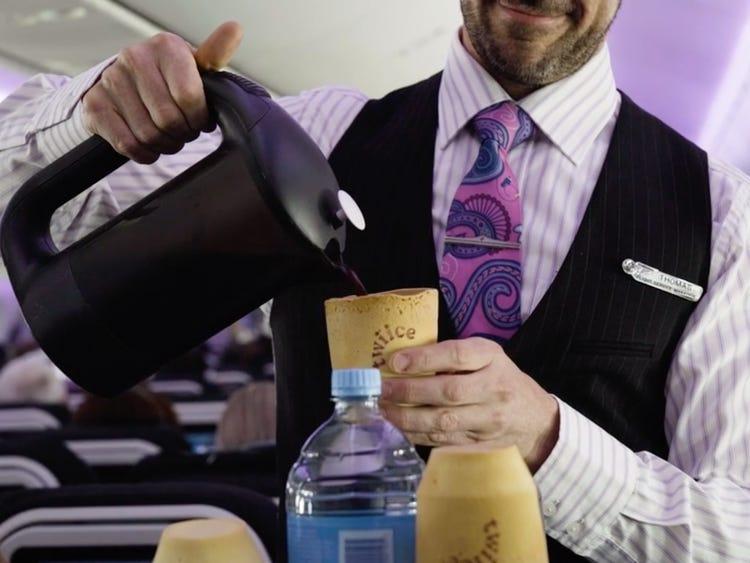 Air New Zealand reemplaza posillos descartables por comestilbles