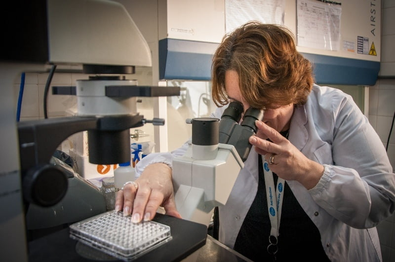 Científicos argentinos trabajan en productos biológicos contra el SARS-CoV-2