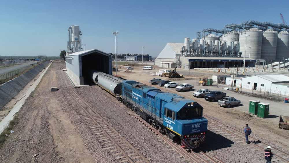 Ingresó el primer tren de prueba al complejo agroexportador de Timbúes