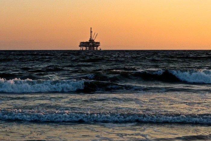 environmental risks of oil and gas industry