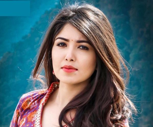 Pooja Sharma | Biography, Boyfriend, Wiki, Age, Height, family, Affairs