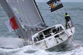 Convoyage du bateau de Jean Le Cam jusqu'à Port Olonna