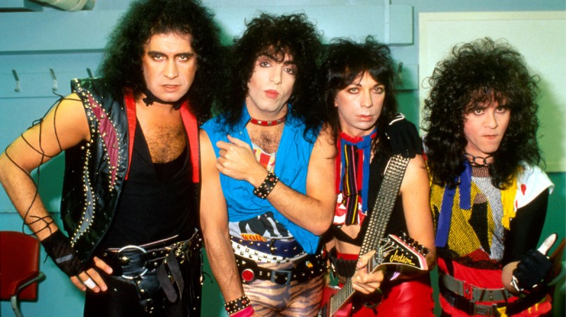 When KISS Wiped Away Their Iconic Face Paint in 1983, Fans 'Hated' the New  Look - Biography