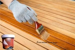 wood stain aplikasi kuas
