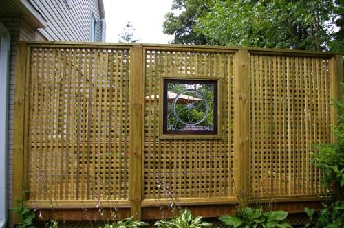 cat pagar bambu tahan cuaca