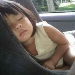 70% des enfants sont mal installés en voiture
