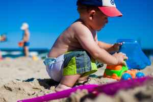 Comment bien protéger votre enfant du soleil ?