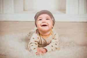 Première dent à 3 mois : c'est possible ?