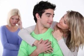 Triángulo amoroso: Deja de ser el tercero en cuestión