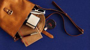 Perawatan tas kulit agar tidak terkelupas bisa dilakukan dengan gampang.  Pada dasarnya merawat tas kulit memang butuh ketelatenan. 3993d21cec