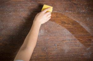 Panduan Komplit Perawatan Furniture Kayu Yang Sudah Kusam