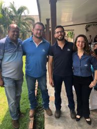 Consultores do IBS com representantes do Sebrae RO, durante o Seminário do Leite.