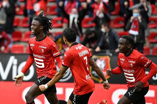 Ligue 1 players celebrating