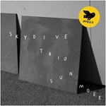 "Skydive Trio - ""Sun Moee"""