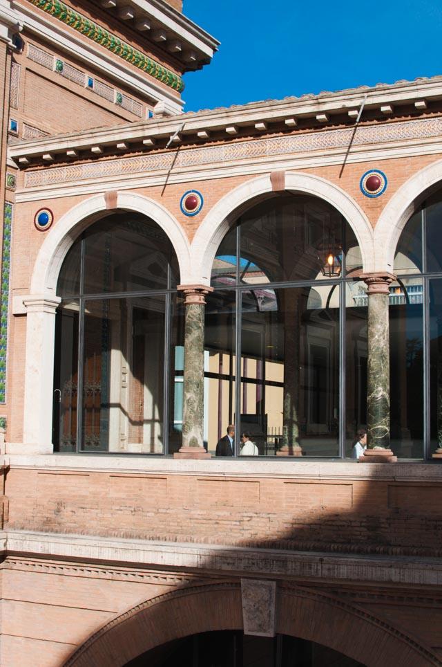 Visiter le Vatican et ses incroyables musées: fresques, mosaïques, c'est un endroit à ne pas rater si vous visitez Rome.