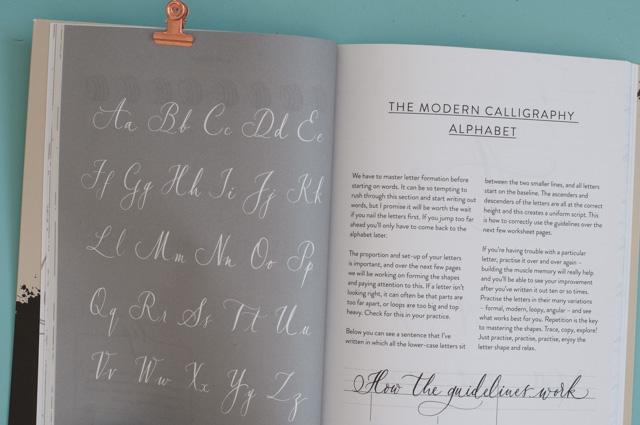 Nib & Ink: un livre pour apprendre la calligraphie à la plume