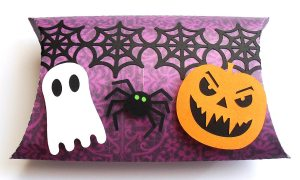 halloween pillow box 1