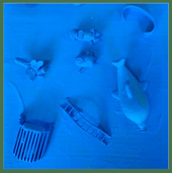 Neues aus Müll in blau