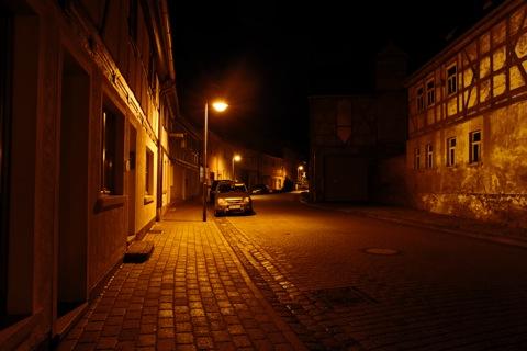 Bild: Die Fleckstraße in Wippra bei Nacht im Winter 2011/2012.
