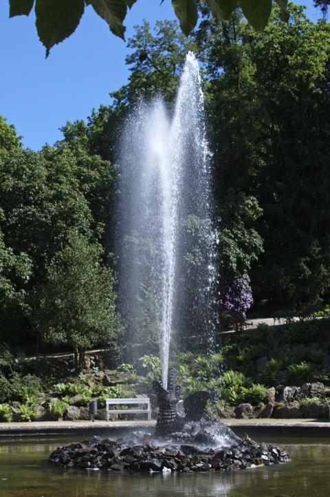 Bild: Der Lindwurm im Schlosspark zu Ballenstedt.