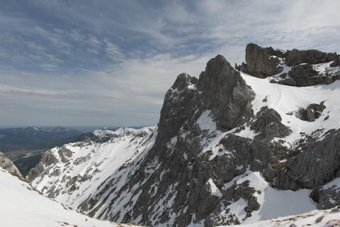 Bild: Auf der Westlichen Karwendelspitze. NIKON D700 mit CARL ZEISS Distagon T* 3,5/18 ZF.2 ¦¦ ISO200 ¦ f/16 ¦ 1/320 s ¦ FX 18 mm.