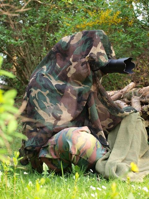 Bild: Einsatzmöglichkeiten eines Tarnschals beim Fotografieren.