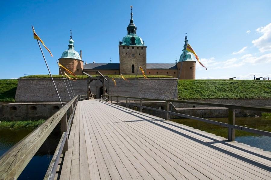 Bild: Ein Spaziergang um das Schloss von Kalmar in der historischen Provinz Småland. NIKON D300s und SIGMA 10-20mm F4.0-5.6 EX DC / HSM.