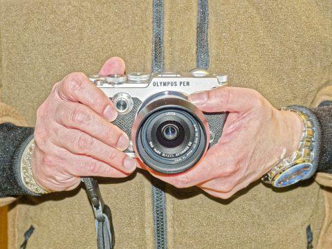 Bild: Die kompakte spiegellose Systemkamera OLYMPUS PEN-F.