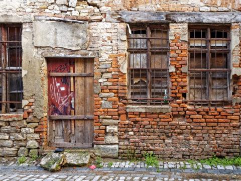 Bild: Aschersleben -Ruine am Grauen Hof. OLYMPUS PEN-F und LEICA DG SUMMILUX 1.7 / 15mm. ISO 200 ¦ f/5.6 ¦ 15 mm ¦ 1/6 s ¦ kein Blitz.