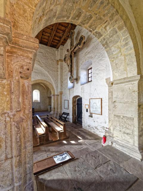 Bild: In der Kirche der Konradsburg bei Ermsleben (Stadt Falkenstein im Harz) im Unterharz. Klicken Sie auf das Bild um es zu vergrößern.