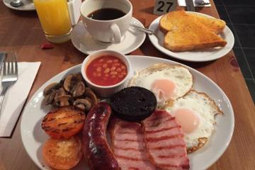 Raphaels Full English Breakfast (outstanding)