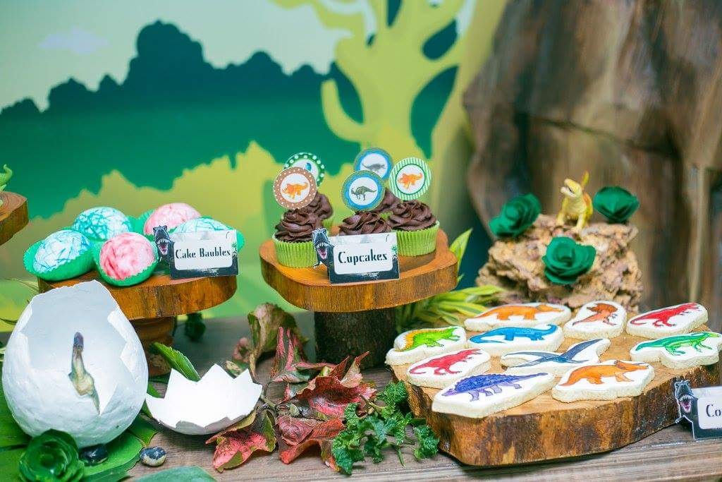 Dinosaur Wonderland Party Birthday Party Ideas Amp Themes