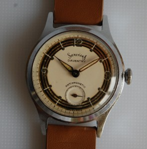 c1952 Services Daventry mens watch