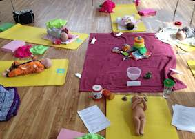 birthzang mum baby yoga reading 9