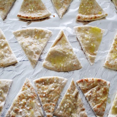 2 Ingredient Pita Chips - 10 Minutes to Delicious!
