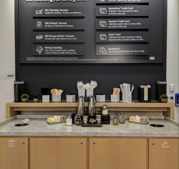 Capital One Cafe - State Street, Chicago 10