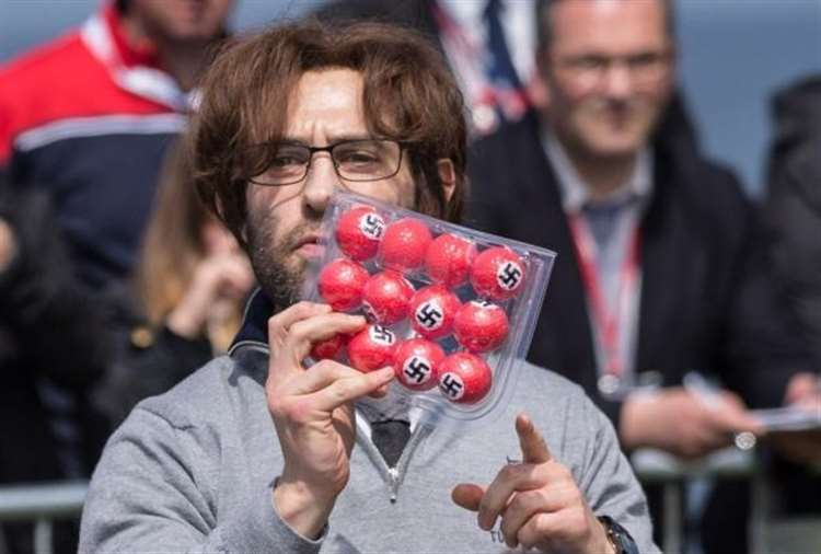 Image of: Brodkin Avalon Simon Brodkin With The Nazi Golf Balls He Distributed At Donald Trump Press Conference At Bishops Stortford Independent Simon Brodkin The Well Good Prankster Headlines Dunmow Comedy Club