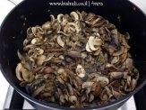 מרק פטריות וגריסים - לאחר בישול הפטריות