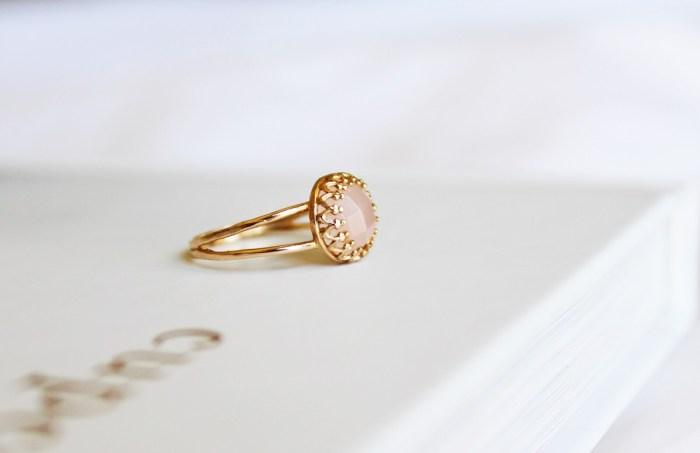 Ensemble: Delicate Gold Rings | Bisou du Jour