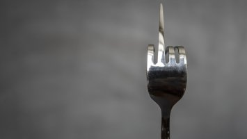 How harmful are hard forks for the Bitcoin ecosystem? 1
