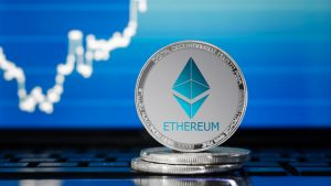 Ethereum [ETH] In Trouble? Analyst Warns Altcoins Could Plunge Further 3